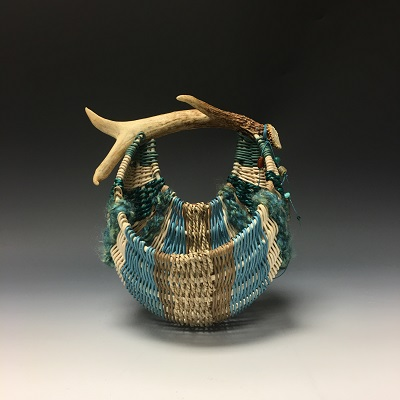 Antler wall pouch basket
