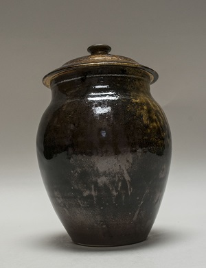 Lidded Temoko jar